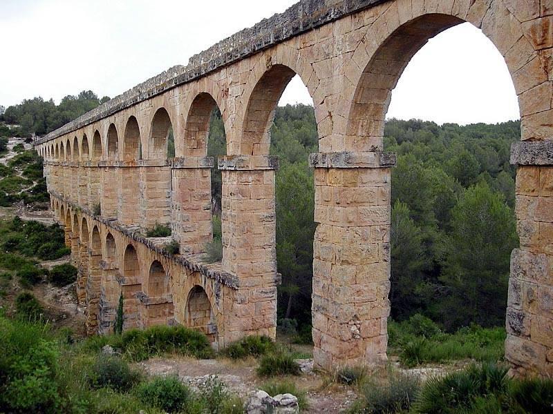 Acueducto romano de tarragona for Oficina de correos tarragona