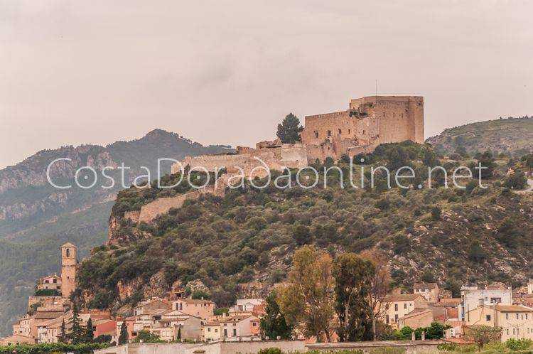 pueblo Miravet Castillo