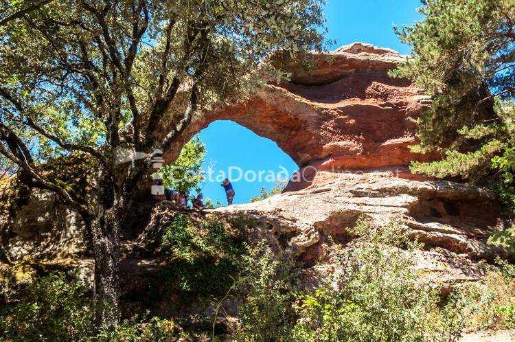 Prades; Prades Ruta Roca Foradada Roca