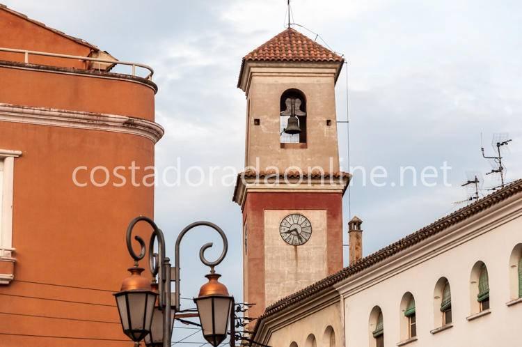 pueblo Benissanet campanario