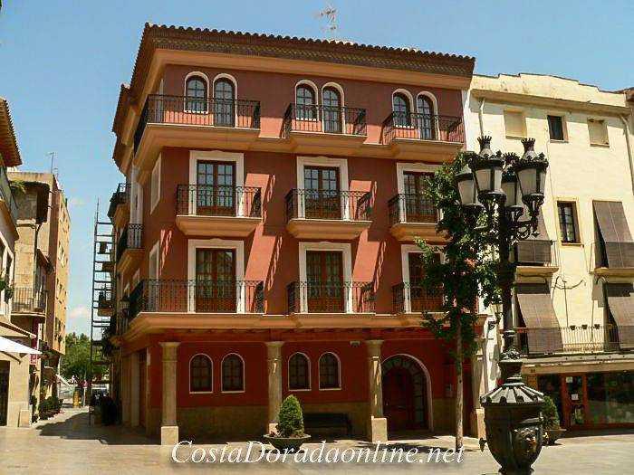 Plaza España, Casco antiguo de Cambrils