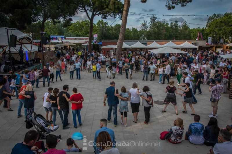 "Feria multisectorial Cambrils 2018. ""Swish swish"" en la plaza del parque del Pinaret"